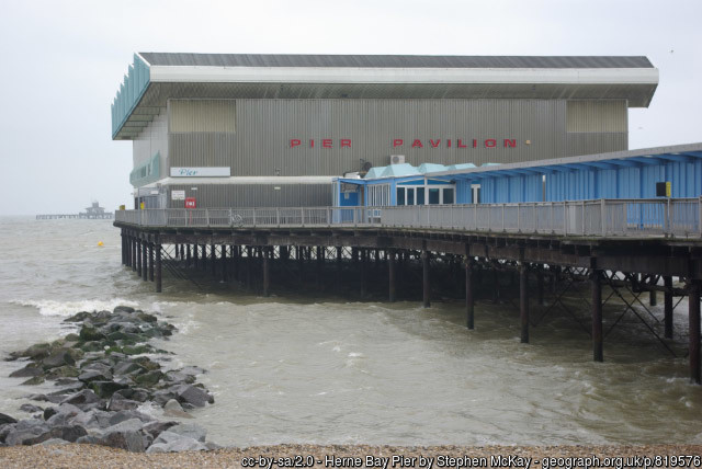Herne Bay pier with sports pavilion 2008